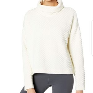 New Balance Heat Loft Funnel Neck Pullover
